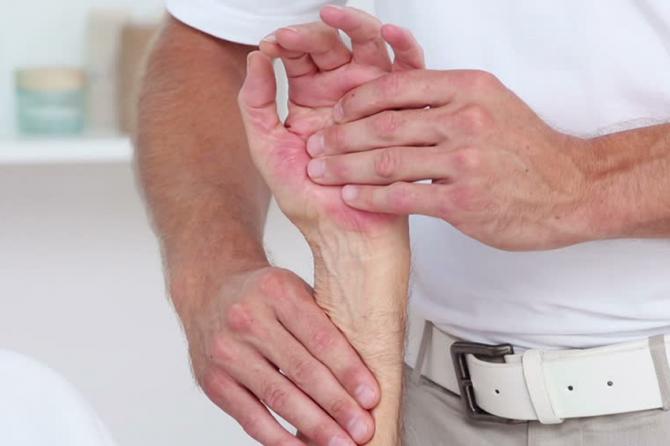 Riešo kanalo sindromas – kodėl jis atsiranda ir kaip gydyti?