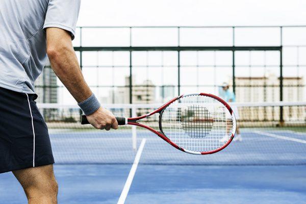 Traumos tenise – kaip jų išvengti?