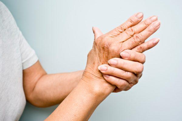 Artritas: artrito simptomai, artrito gydymas