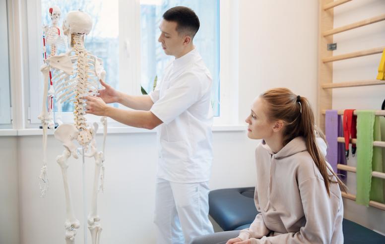 kineziterapijos klinika kaune andrius fedosejevas konsultuoja