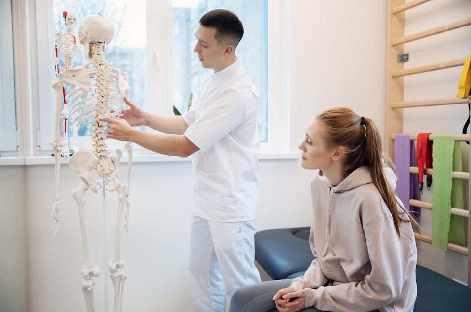 nugaros skausmas ir kineziterapeuto konsultacija