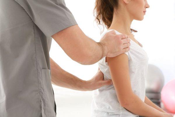 Vaistai nuo peties skausmo – kineziterapija padės jų išvengti